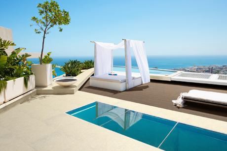 Tile of spain tendencias tema del mes hist rico - Materiales para construir una piscina ...
